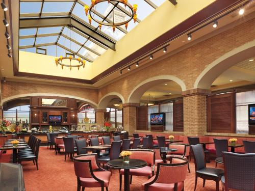 Ameristar Casino Hotel Council Bluffs Photo