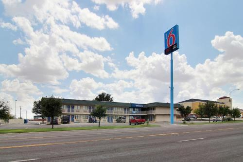 Motel 6 Fort Stockton Photo