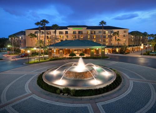 Courtyard by Marriott Orlando Lake Buena Vista in the Marriott Village Photo