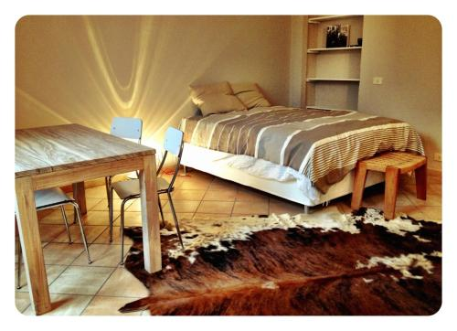 Hotel Small Apartment In The Navigli Area thumb-3