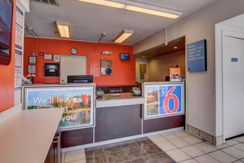 Motel 6 Norfolk Photo