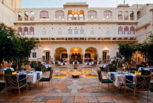 16 Luxurious Stays That As Good As 7 Star Hotels in India