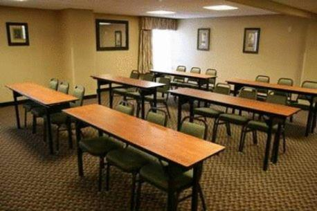 Hampton Inn Overland Park Photo