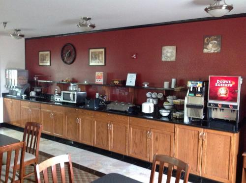 Best Western Plus Wakeeney Inn & Suites - Wa Keeney, KS 67672