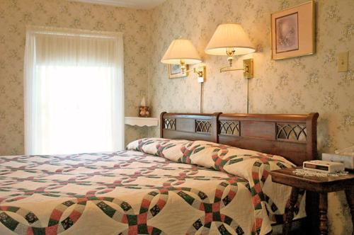 Florentine Manor Bed & Breakfast Photo