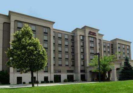 Hampton Inn & Suites by Hilton Windsor Photo