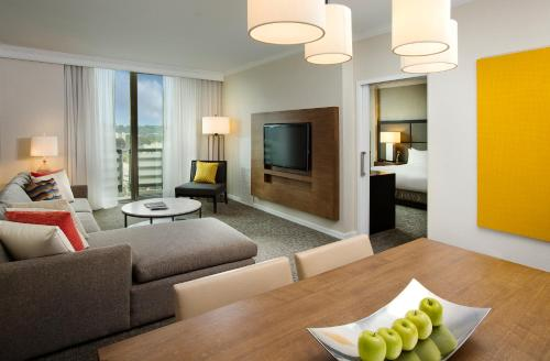 DoubleTree by Hilton San Diego-Mission Valley Photo