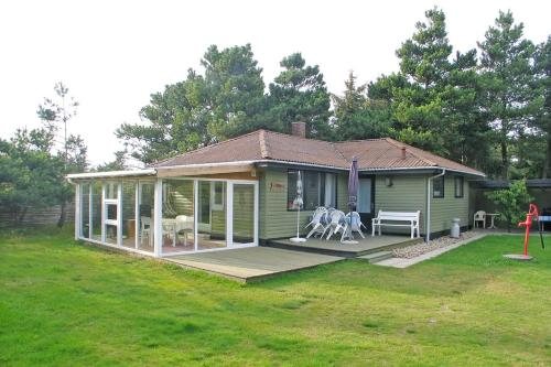 HOLIDAY HOME PETER G 34830