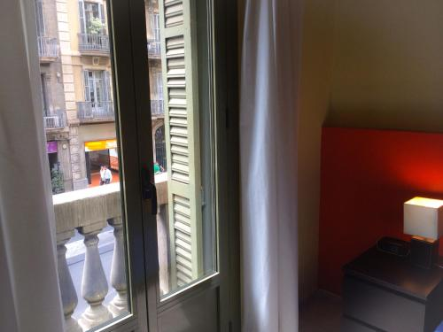 Barcelona City Centre Hostal photo 48