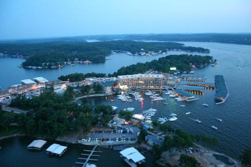 Camden on the Lake Resort Photo