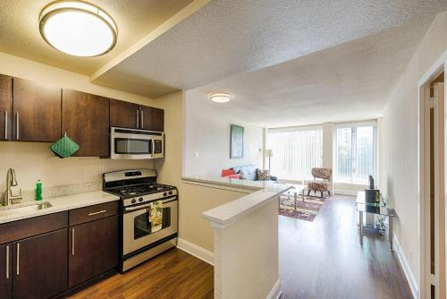 Washington Plaza Apartment Photo