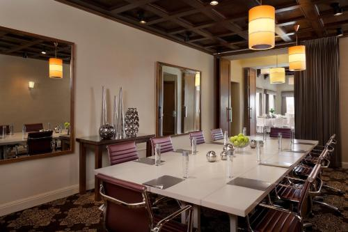 Hotel Adagio, a Marriott Autograph Collection, A Marriott Luxury & Lifestyle Hotel photo 40