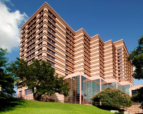 Sheraton Austin Hotel at the Capitol Photo