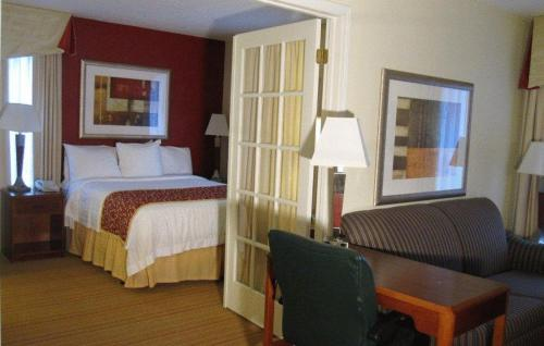 Residence Inn Kalamazoo East Photo