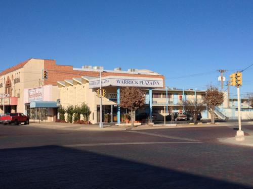 Warrick Plaza Inn - Plainview, TX 79072