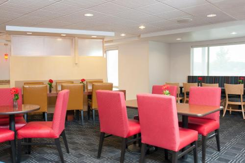 Towneplace Suites By Marriott Des Moines Urbandale - Johnston, IA 50131