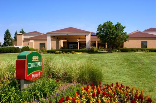 Courtyard By Marriott Deerfield