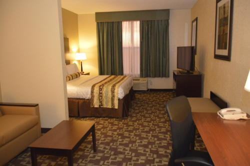 Best Western PLUS Hobby Airport Inn and Suites Photo