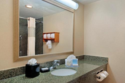 Hampton Inn Lake Havasu City - Lake Havasu City, AZ 86403