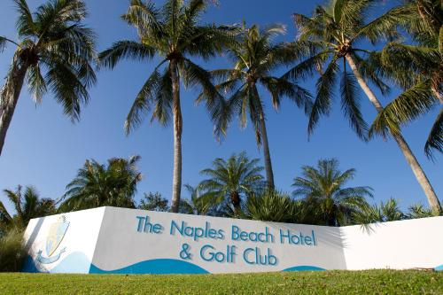 Naples Beach Hotel and Golf Club Photo