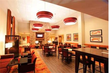 Hampton Inn & Suites Phoenix Chandler Fashion Center Photo