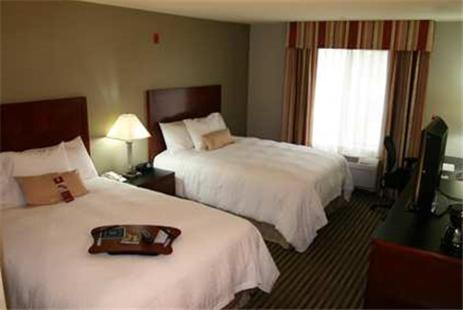 Hampton Inn Visalia Photo