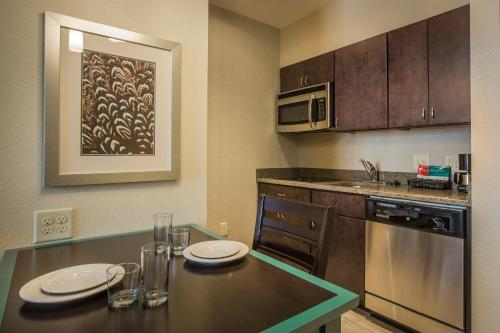 Homewood Suites by Hilton Charlotte Ballantyne Area Photo