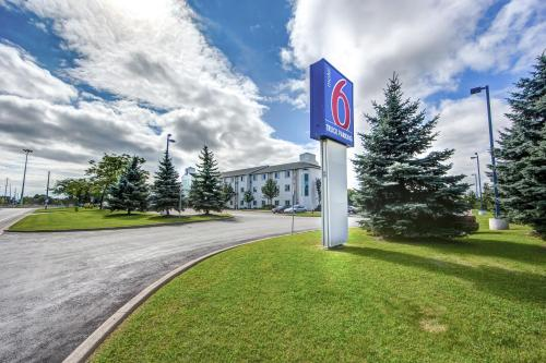 Motel 6 - Toronto West - Burlington - Oakville Photo