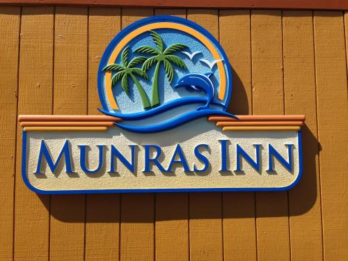 Munras Inn Photo