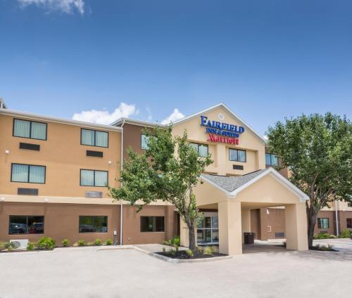 Fairfield Inn & Suites Victoria Photo