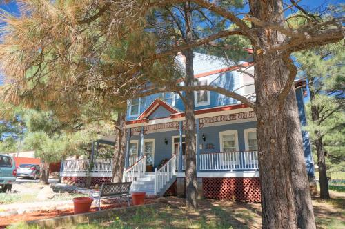 Starlight Pines Bed and Breakfast Photo