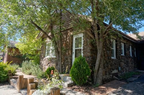 Comfi Cottages of Flagstaff Photo