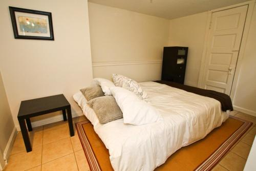 Cute Broadway Street One-Bedroom Apartment - San Francisco, CA 94133
