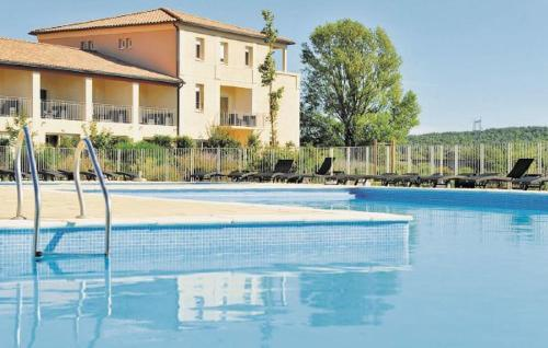 Hotel Holiday Home Carcassonne Ij-1332