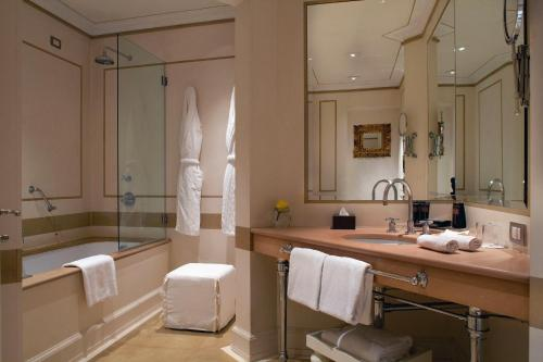 Relais Santa Croce, Florence, Italy, picture 26