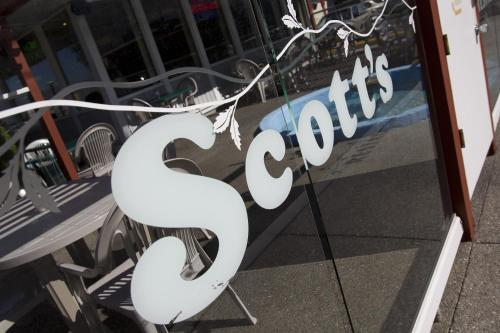 Scott's Inn & Restaurant Photo