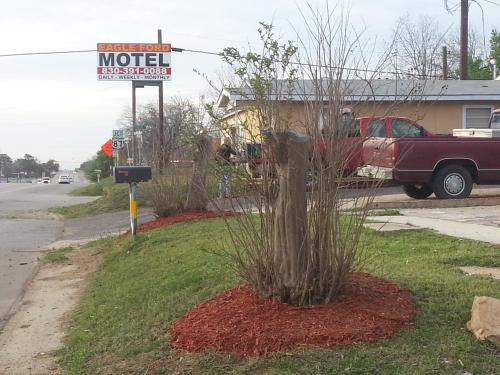 Eagle Ford Motel Photo