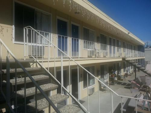 Colusa Riverside Inn Photo