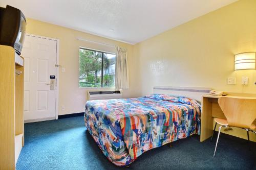Motel 6 Fort Pierce Photo