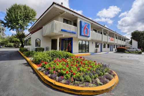 Motel 6 Petaluma Photo