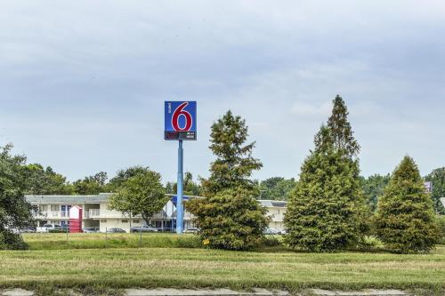 Motel 6 Baton Rouge - Port Allen