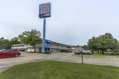 Motel 6 Baton Rouge - Port Allen Photo
