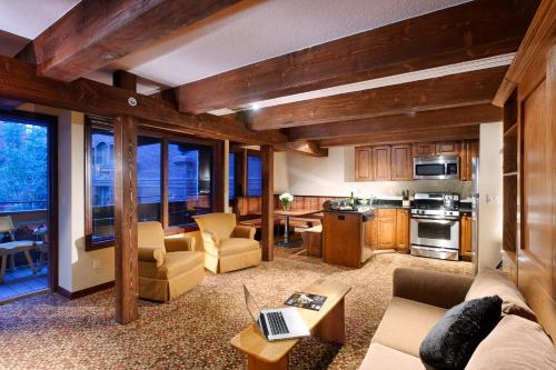 Mountain Chalet Aspen Photo