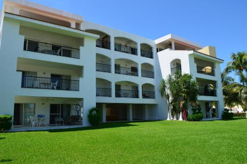 Beachscape Kin Ha Villas & Suites Photo