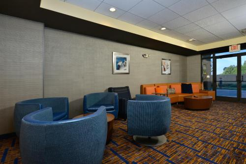 Courtyard by Marriott Bentonville Photo