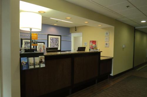 Hampton Inn Lancaster Photo