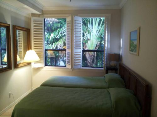 Apartment at The Palm Beach Hotel Condominium Photo