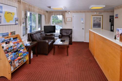 Americas Best Value Inn - Manchester Photo