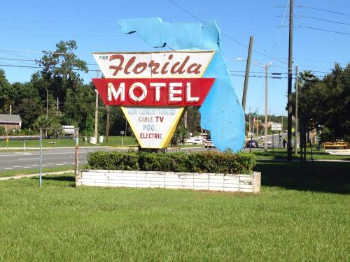 Florida Motel Photo