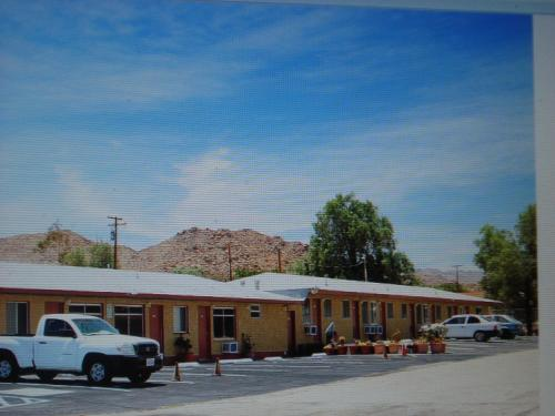Safari Motor Inn - Joshua Tree Photo